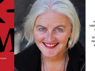 Maria Farstad med boken Skam